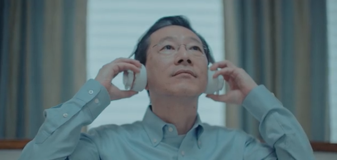 Still from the campaign video for Axel headphones, which beautifully weaved a family story into the product story.